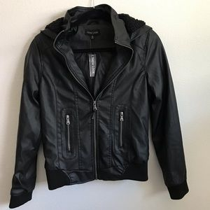 NWT modern NEW LOOK black leather jacket w/hood✨